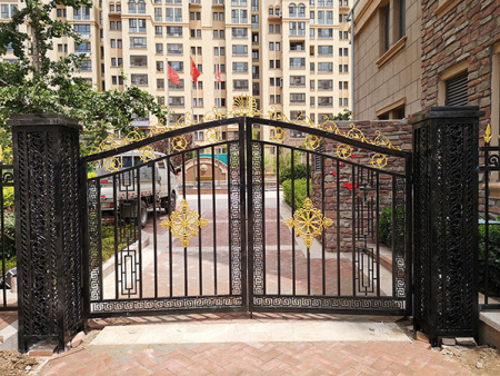 南京铝艺大门价格|想要购买优良的铝艺大门找哪家
