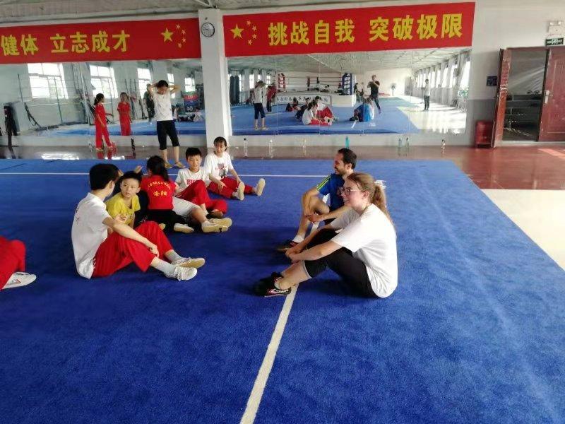 少林武术学校招生_少林传统武术还是欧亚国际武术好
