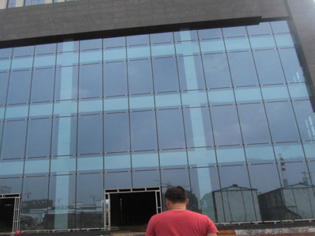 高空更换幕墙玻璃/外墙玻璃保养
