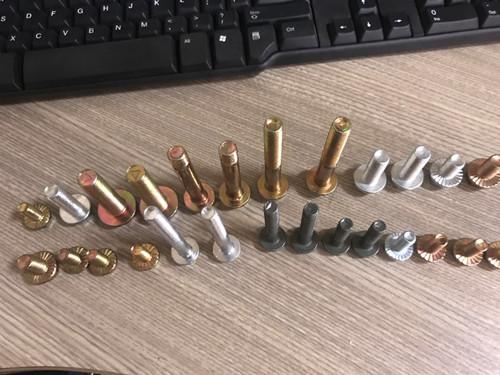 宁津料塔螺栓生产厂家-上海法兰螺栓