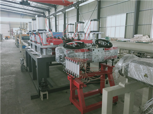 青島高品質PP中空建筑模板生產線_大量供應質量好的PP建筑模板生產線