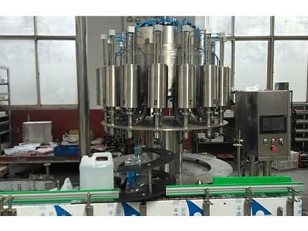 廣州桶裝灌裝機-供應山東專業可靠的桶裝灌裝機