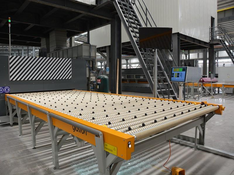 钢化玻璃加工厂_买专业的钢化玻璃,就来云南滇凯