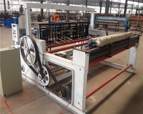 内蒙古半自动轧花网机生产厂家-半自动轧花网机哪里买比较好
