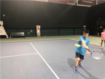少儿网球亚博体育bet手机版下载哪里好_少儿网球亚博体育bet手机版下载费用