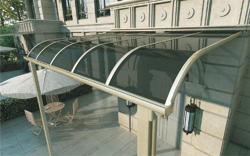 广州好看的铝合金雨棚 质量可靠的铝合金露台棚火热供应中