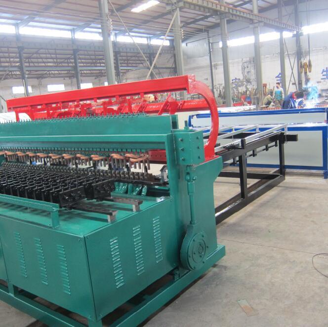 防護網電焊網機圈養牲畜的電焊網機隔離防護的電焊網機 外墻保