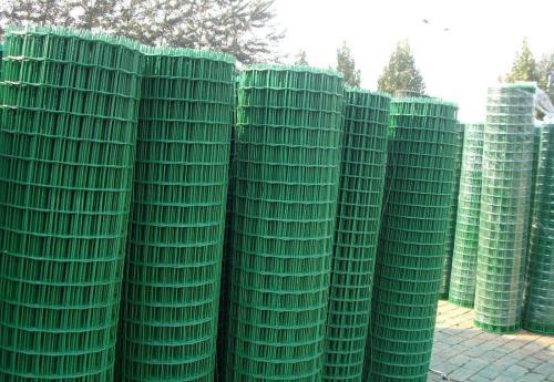 浸塑荷蘭網圍欄報價-供應衡水優惠的浸塑荷蘭網圍欄