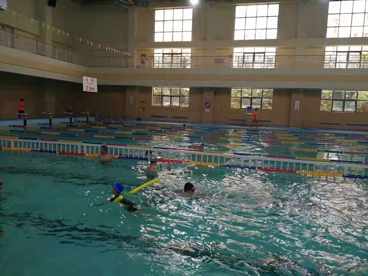 泳池空气能热水