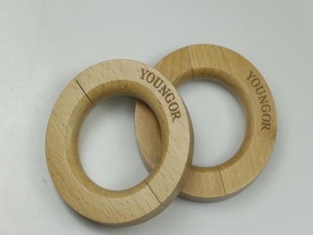 木衣架批发挂裤架-肇庆质量好的实木圆形裤架供应