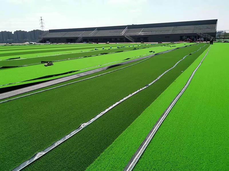 为您推荐物超所值的广西人造草坪施工足球场地材料