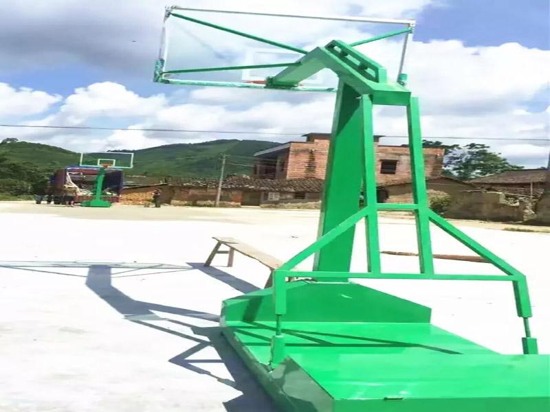 促销广西液压式篮球架|广西价格优惠的移动篮球架供应