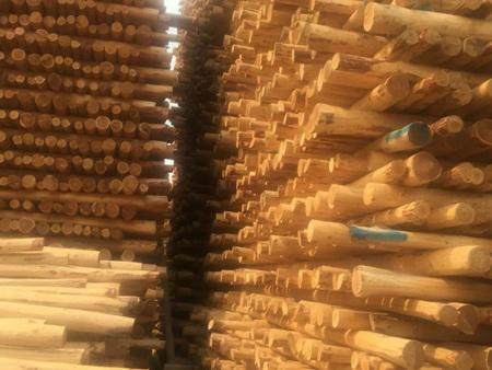 抚顺防腐油木杆批发,清原合众木器加工厂厂家供应