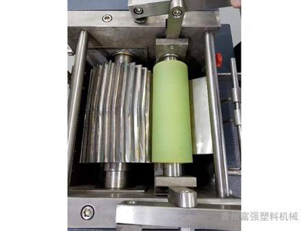 滾刀式切粒機價格-富強塑料機械滾刀式切粒機作用怎么樣