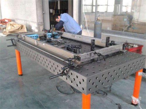 D16柔性平台|仁丰量具的三维柔性焊接平台怎么样