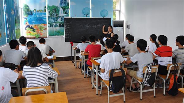 午托管理教育