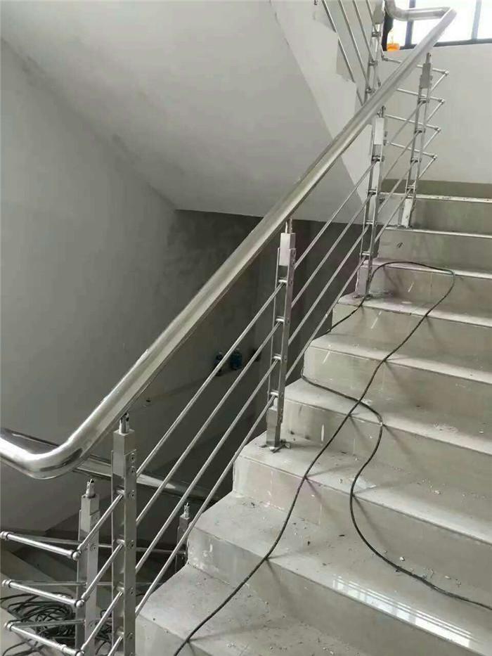 海南不锈钢楼梯扶手批发-不锈钢楼梯扶手生产厂家