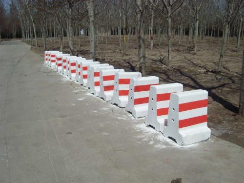 混凝土隔离墩价格-西安专业的延安隔离墩厂家推荐