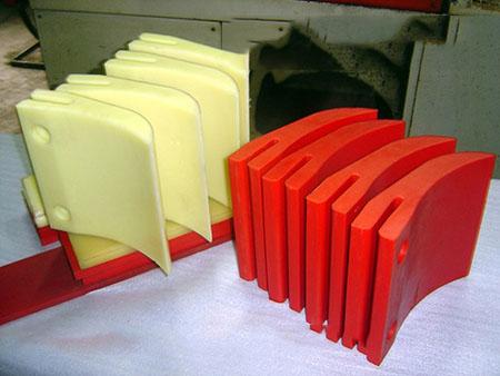 辽宁聚氨酯刮板厂家,本溪盛大设备配件厂质量保障
