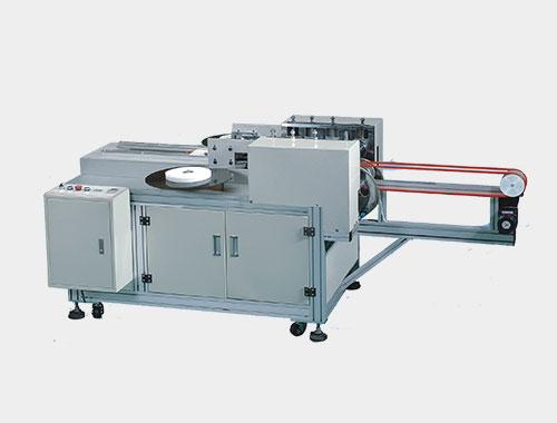 薄材料厚度为2个丝,该机从原材料入料到成品计数,收集均为自动化控制.
