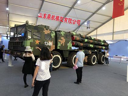 濟南大比例300毫米多管火箭炮模型1:1軍事模型山東鼎航出廠