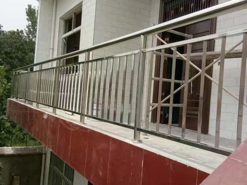 甘肅不銹鋼樓梯扶手 蘭州不銹鋼樓梯扶手 甘肅不銹鋼扶手華富泰