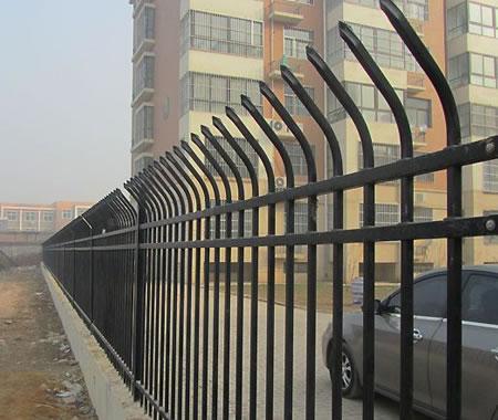 榆林圍墻鋅鋼護欄價格_銀川市衡祥順絲網優良鋅鋼護欄供應商