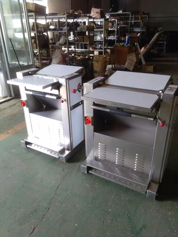 廣東豬肉扒皮機-宇廚廚房設備質量良好的豬肉扒皮機出售