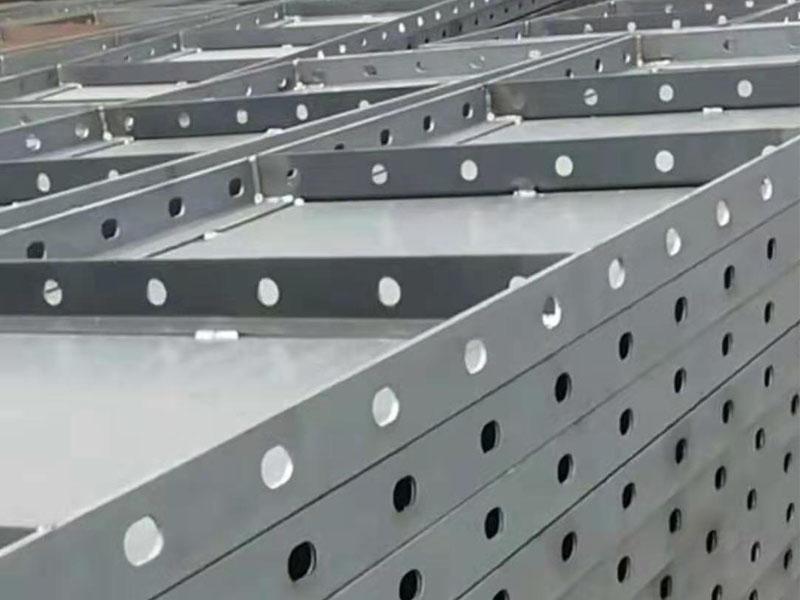 鑫伟交通供应专业的爬架管