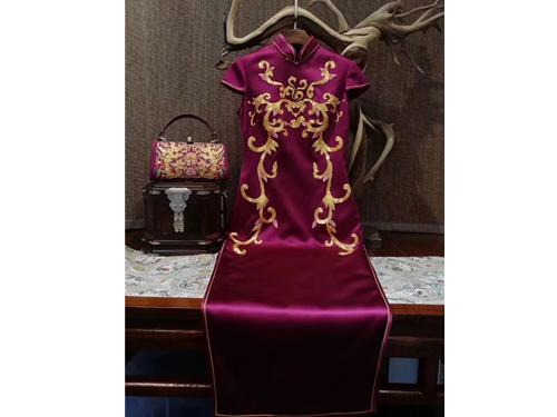 定做旗袍|优惠的西安旗袍私人定制就在陕西典中晟