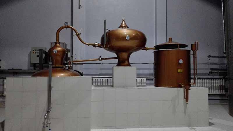 圣達輕工機械專業供應夏朗德壺式蒸餾-夏朗德壺式蒸餾生產廠家