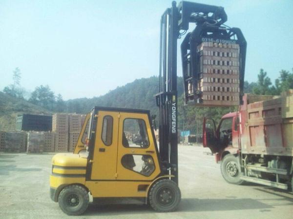 山西砖用装卸车价格/抱砖车厂家