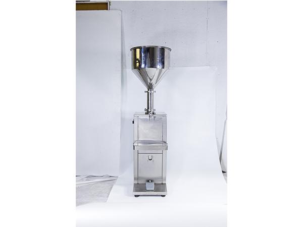 膏体灌装机,液体灌装机,气动卧式膏体灌装机,卧式液体灌装机