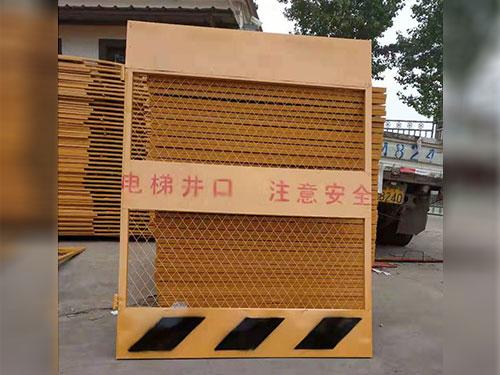 施工電梯門-河北高質量的施工電梯門哪里有售