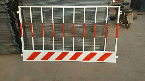 基坑護欄圍欄出售-福林五金建材好的施工電梯井口供應