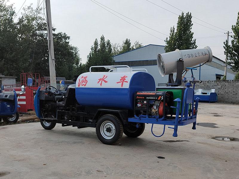 河南三轮洒水车-大量供应出售精良的三轮洒水车