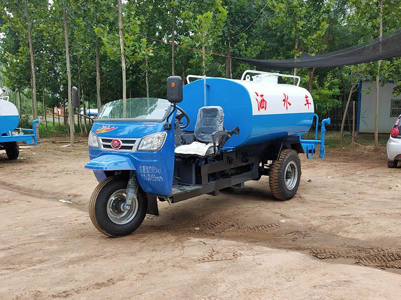 3吨洒水车-专业的三轮洒水车供应商,当选郓城兴顺环卫