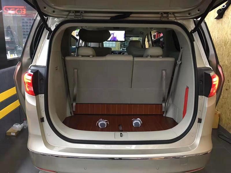 汽車門內護板品牌|呼和浩特具有口碑的汽車內飾定制服務