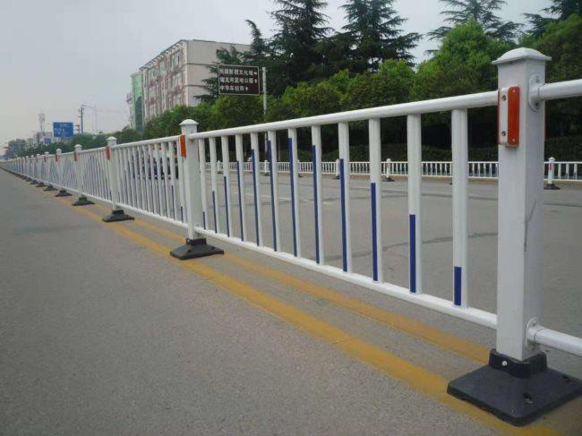 鍍鋅鋼道路護欄隔離欄城市公路馬路護欄交通設施防撞市政護欄圍欄