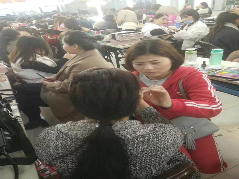 阜阳纹绣学校-美容学校-化妆学校到教学经验丰富的汝美职业学校