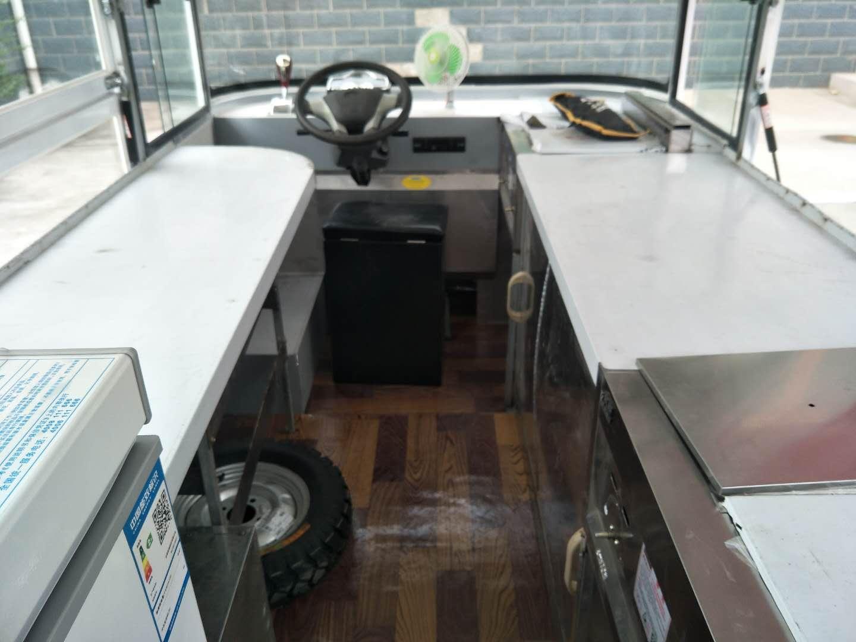 串串火锅移动餐车价格   臭豆腐小吃车售价    卤菜车价位