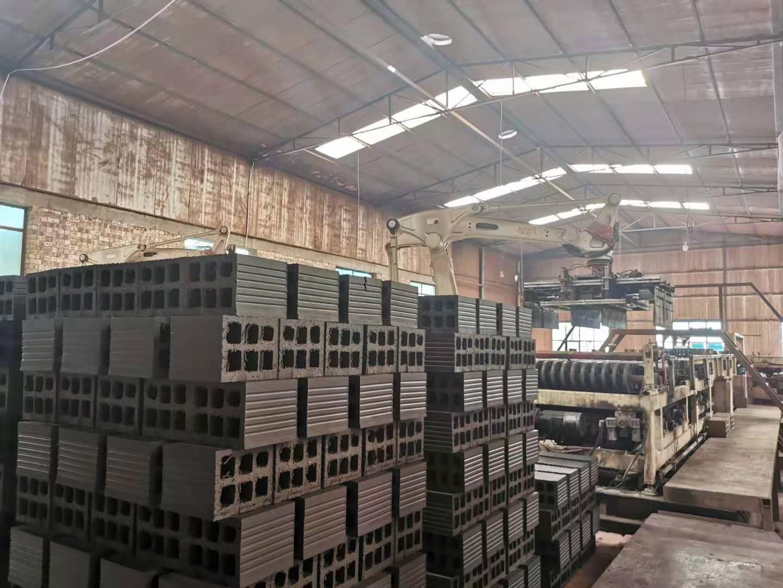 临夏DM多孔砖|为您推荐石洞镇文山第五砖厂有品质的多孔砖