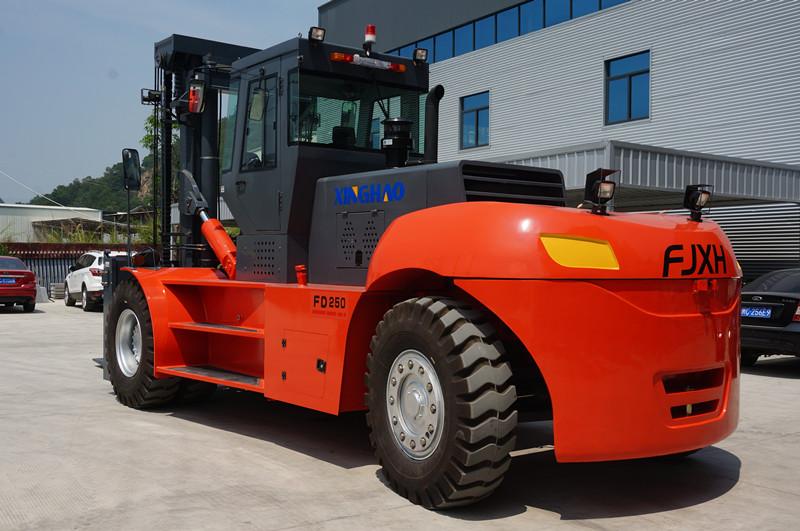 宁夏25吨叉车-专业的25吨叉车-兴皓机械倾力推荐