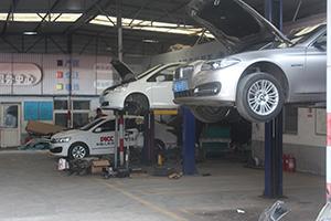 推荐好的汽车装潢及改装服务  ,李沧钣金喷漆厂家联系电话