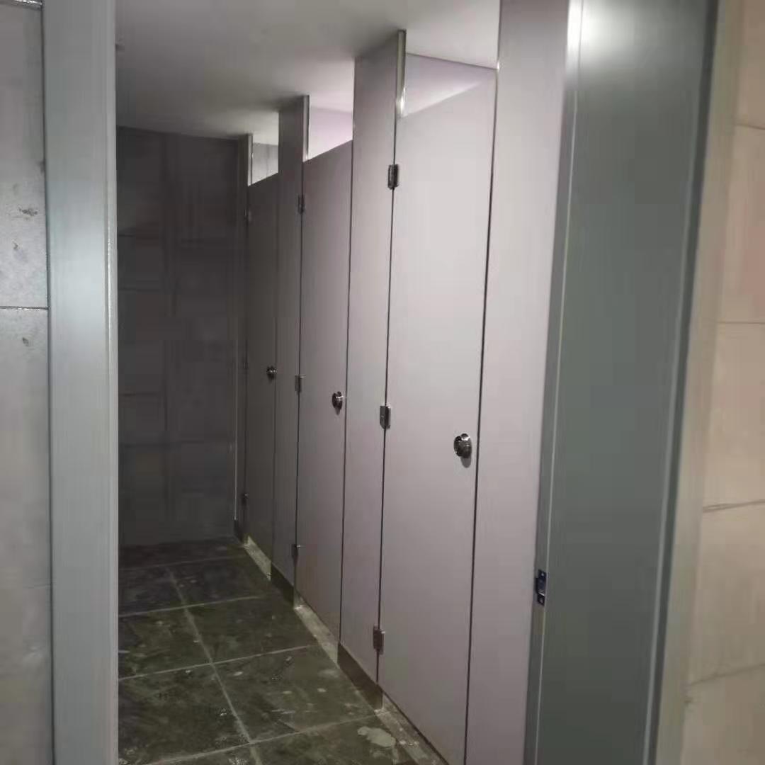 廁所隔斷廠家直銷-哪里有賣新品廁所隔斷