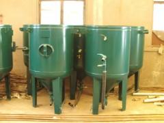 喷砂机供应-青岛双峰新款喷砂罐出售
