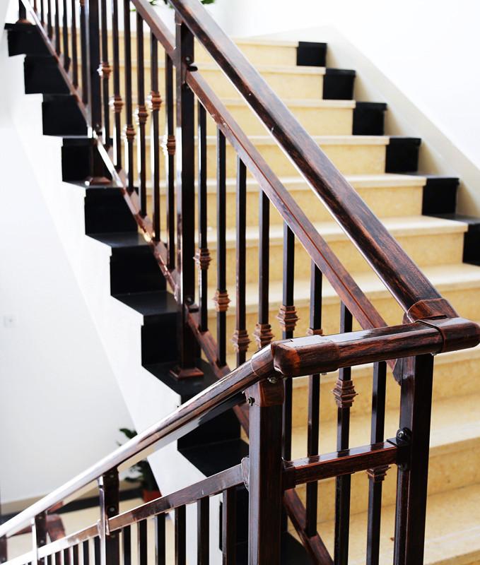 水晶樓梯扶手|四川樓梯木扶手-四川室內樓梯扶手