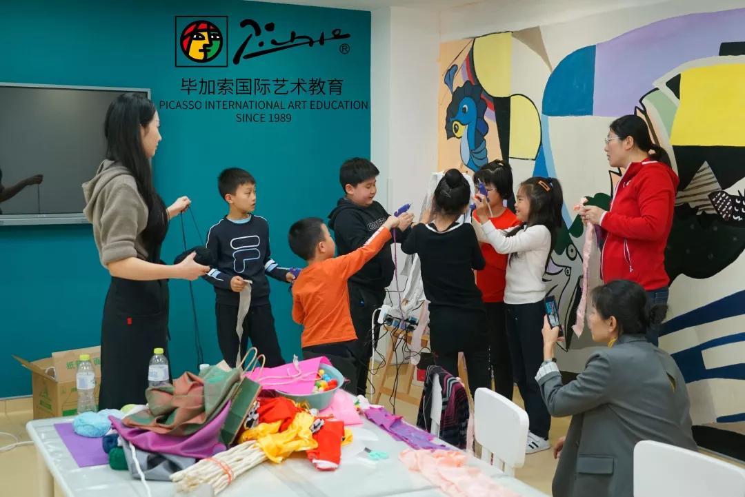 少儿艺术培训,青岛少儿艺术培训有,感恩节的少儿艺术