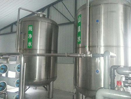 飲料生產線中所需的機械設備