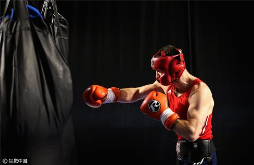 沈阳拳击培训分享梅威瑟接班人三次击倒古巴拳王,下一战剑指洛马琴科